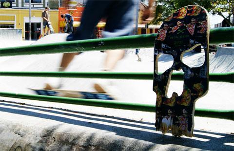 SkullSkateboard1